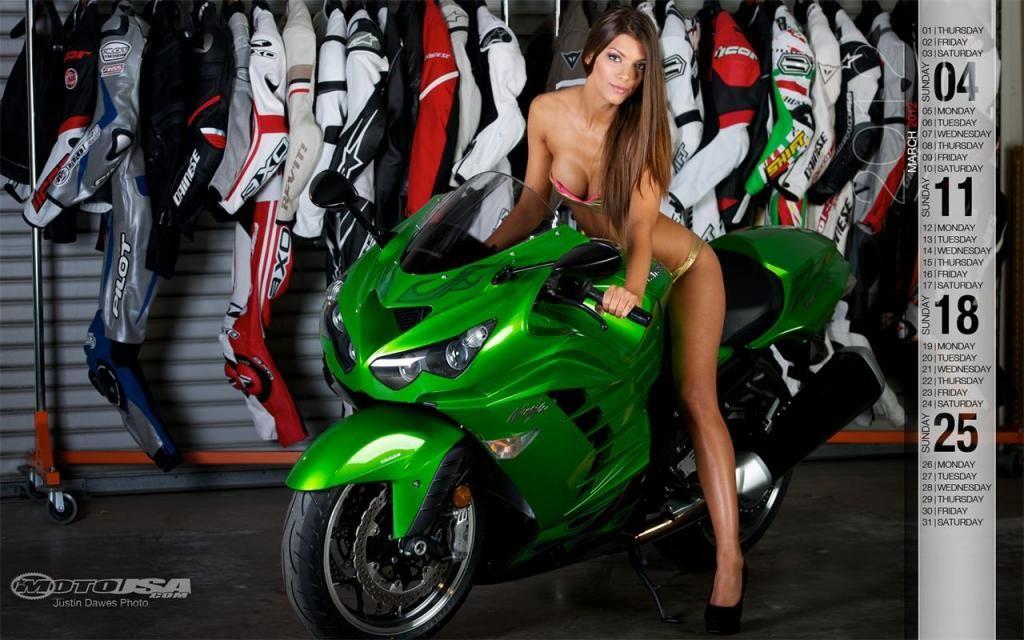 секси фото с девушками на спортивных мотоциклах